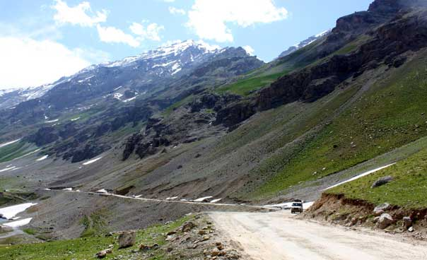 Overland Jeep Adventure from Srinagar to Leh