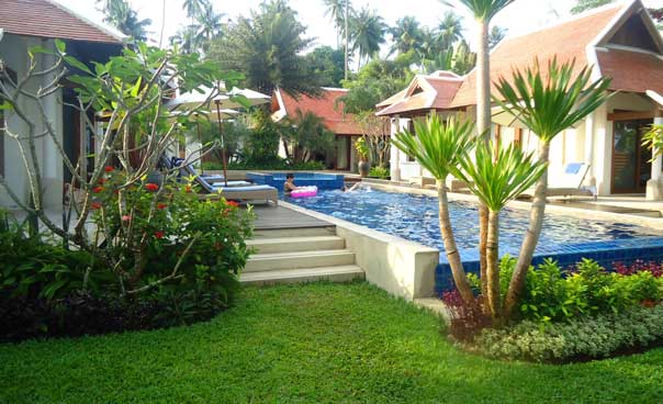 Bai Chao Lay Villa. Hotel review for families. Swimming pool.