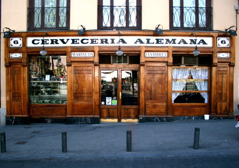 Madrid with kids: Hemingway's haunt, Cervecería Alemana