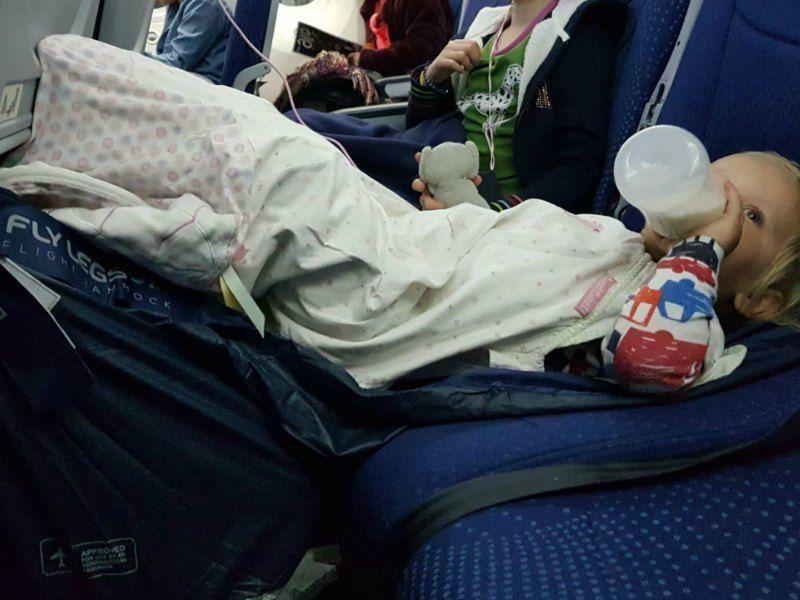 Fly LegsUp Review: So Kids can sleep on a plane