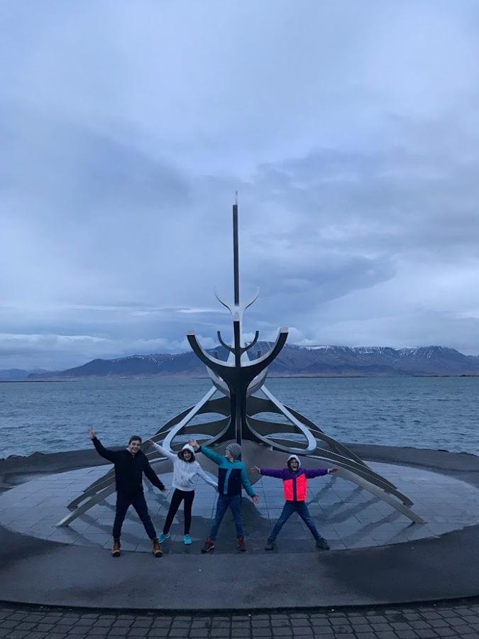 Things to do in Iceland with kids I #globetotting #familytravel #travelwithkids