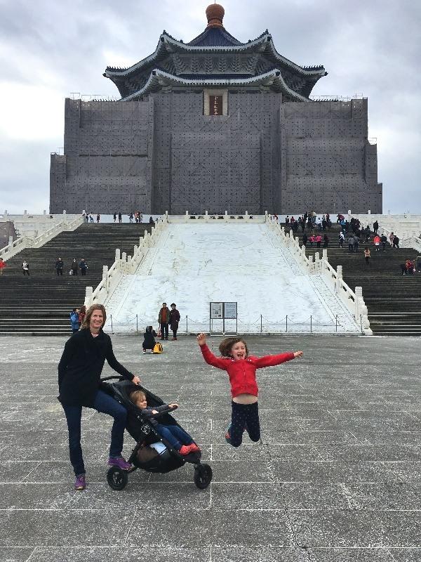 Taiwan with kids I #globetotting #familytravel #travel #travelwithkids #kidslovetravel