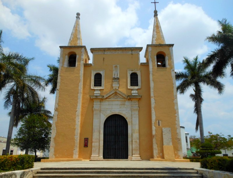 Mexico: A Guide to Discovering Merida & Around