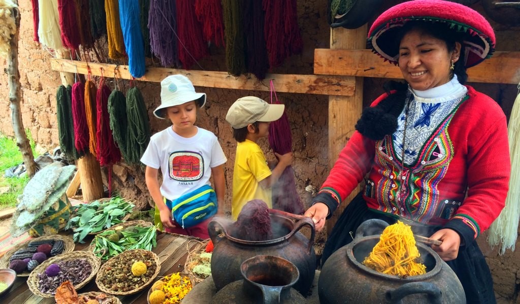 Learning about Peru's textile traditions