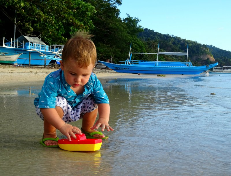 El Nido what to pack: Rubber shoes for wearing in the sea are a must!