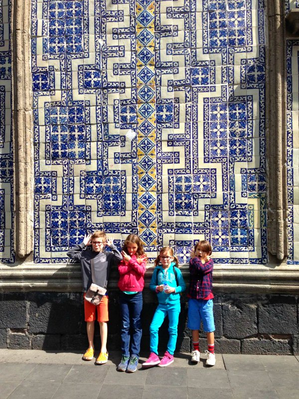 Mexico city with kids exploring the centro hist rico for Casa de los azulejos centro historico