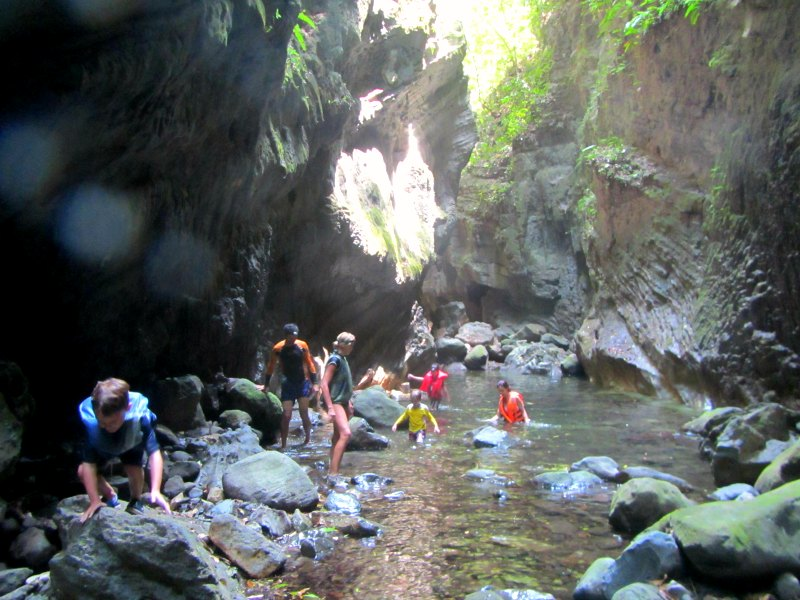 Panama snake adventure: Exploring the caves in Lake Bayano with kids