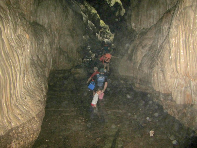 Panama snake advanture: Incredible rock formations in the caves of Bayano