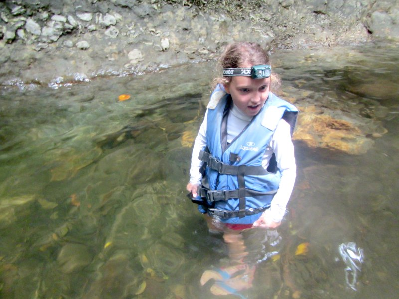 Panama with kids: Lake Bayano Lifejackets, head torches and good shoes are a must!