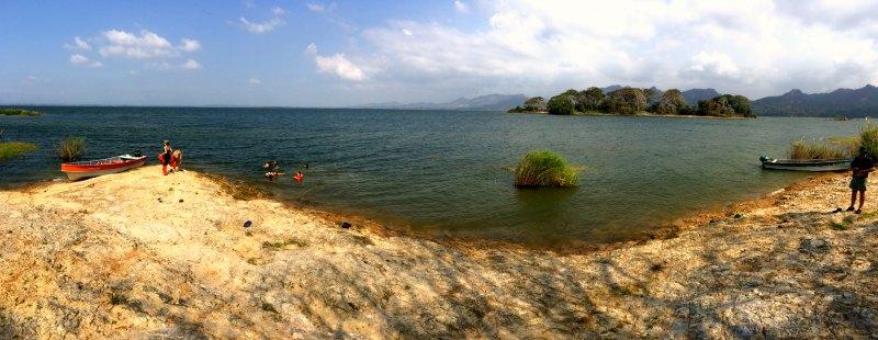 Panama with kids: Lake Bayano