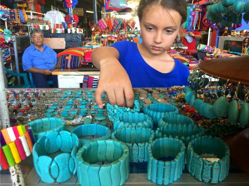 Nicaragua With Kids: Jewellery Masaya Artisan Market