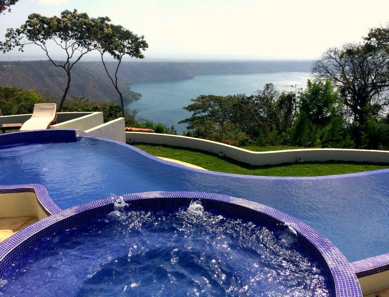 Pacaya Lodge pool