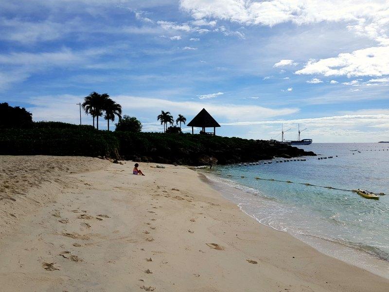 Shagrila Cebu beach