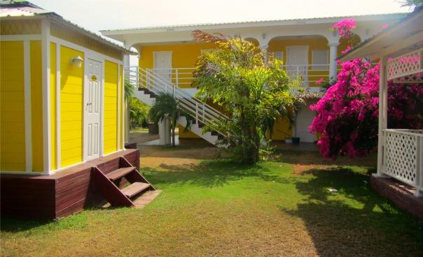 Casa Amarilla (Cabanas & Annex)