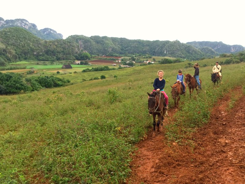horse riding vinales