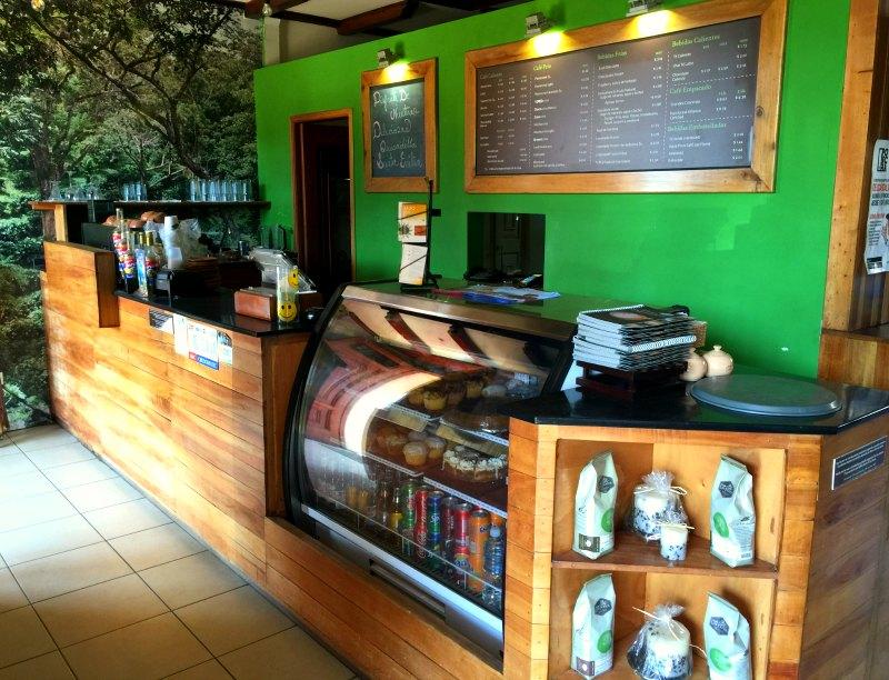 hotel plaza colon cafe