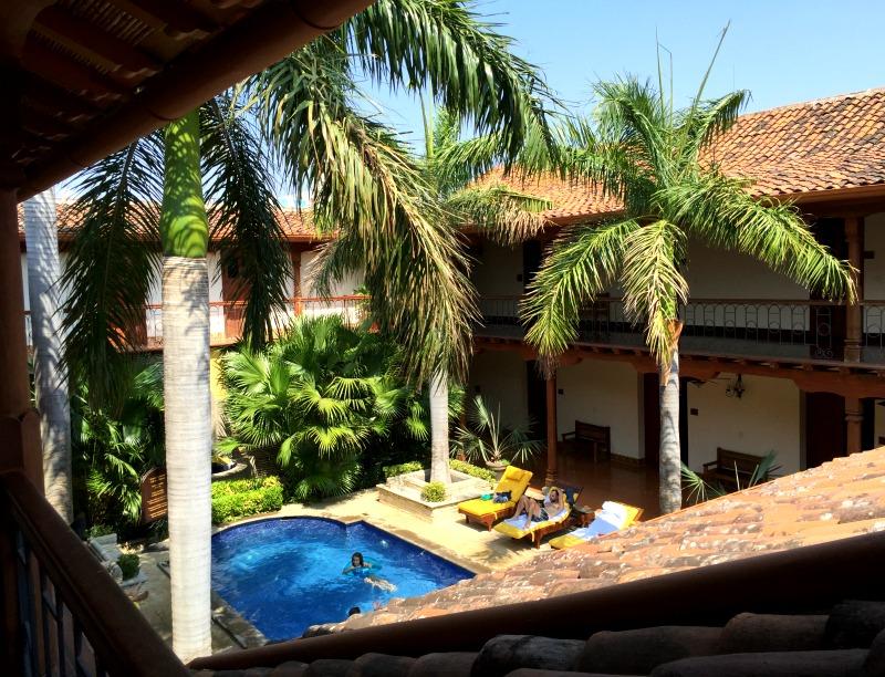 hotel plaza colon pool 2